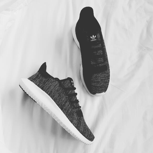 suicidio en caso Estructuralmente  ADIDAS ORIGINALS Tubular Shadow Knit Black/White, Men's Fashion, Footwear  on Carousell