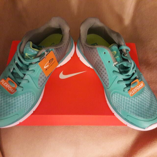 2349938c087c2 Champion Flex Foam Light Weight Running Shoe