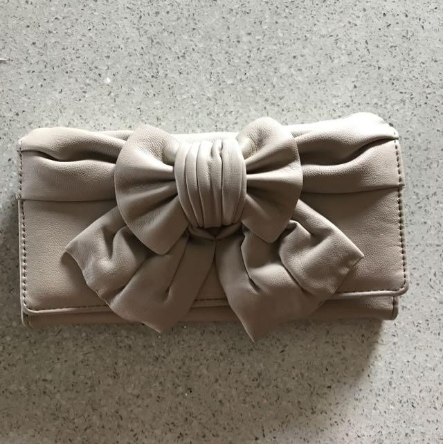 Colette Bow Wallet 🌸