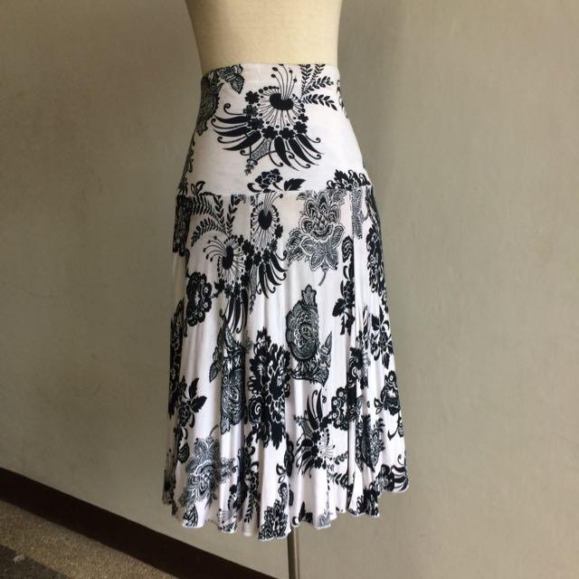 Karen Kane Printed Jersey Skirt