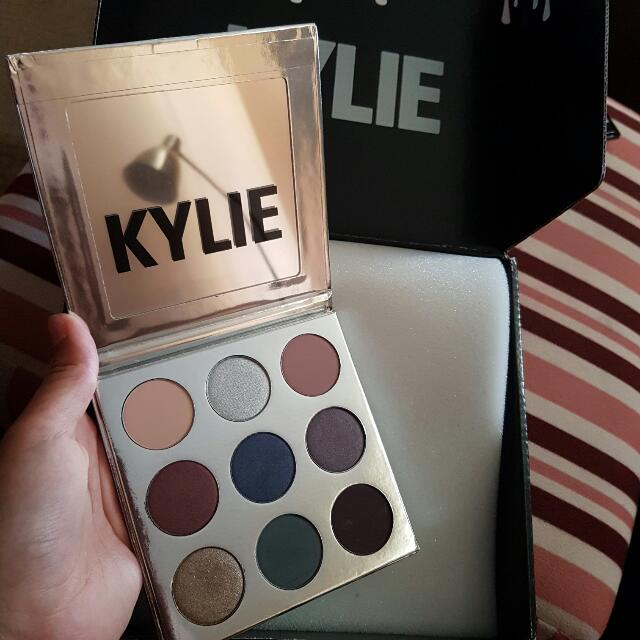 Kylie Holiday Palette (Limited Edition)