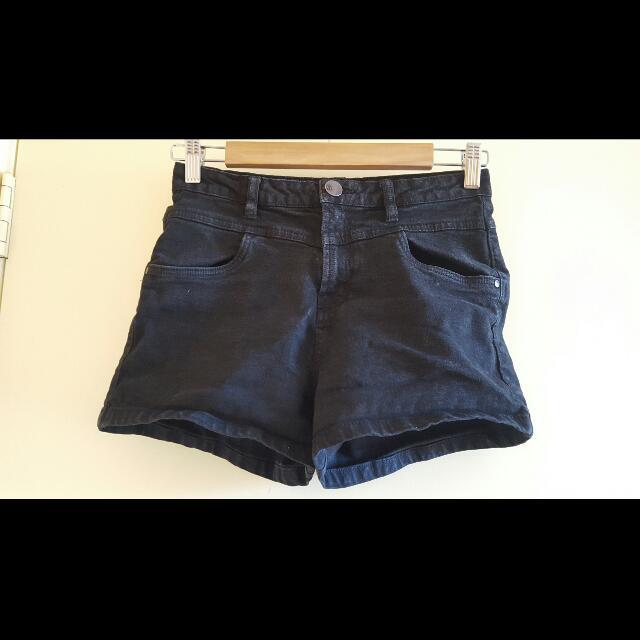 Ladies Shorts - Highwaisted Black Denim - Size 8