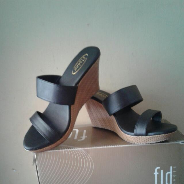 Sandal Wedges Fladeo (New) Size 37   38 d8187377ca