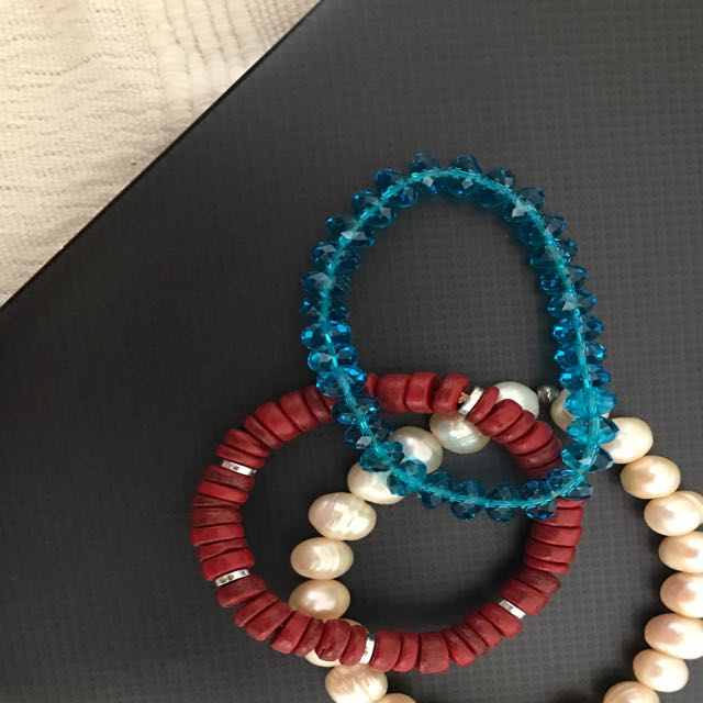 Selection Of 3 Women's Bracelets