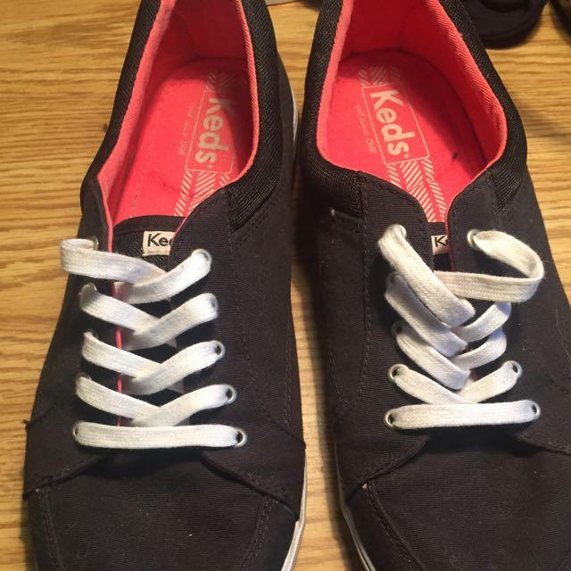 Size 9.5 Keds