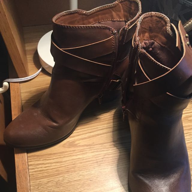 Size 9 Aldo Ankle Boots Brown