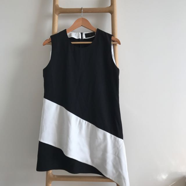 Sleeveless Unique Design Black And White Top