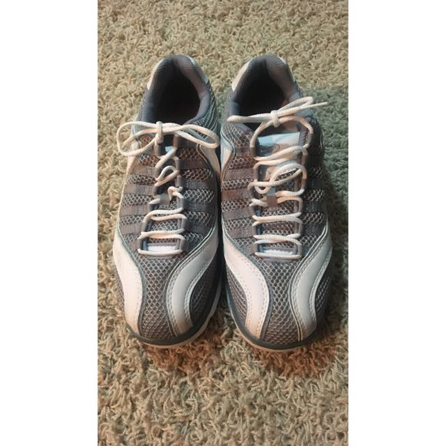 Women's Bite Golf Shoes Never worn size 8