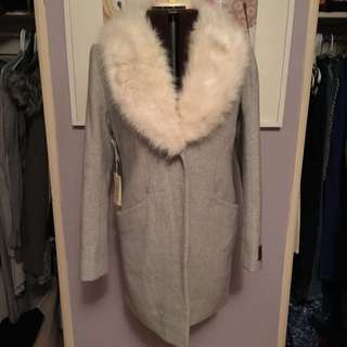 *BNWT* WILFRED COCOON COAT W/ FUR Size Medium