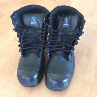 Steel Blue Worker Shoe