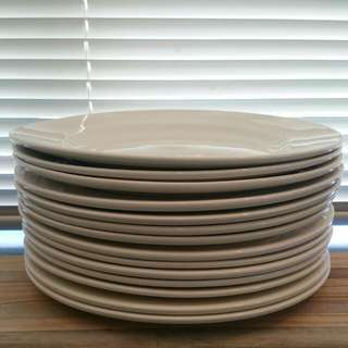 White Dinner Plates - Microwave, Dishwasher & Oven Safe!