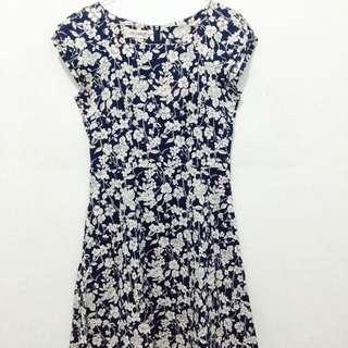 Ann Design Dress - Floral Navy Blue