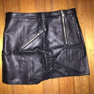 Black PU leather Zip Skirt