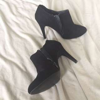 Black stilleto Booties
