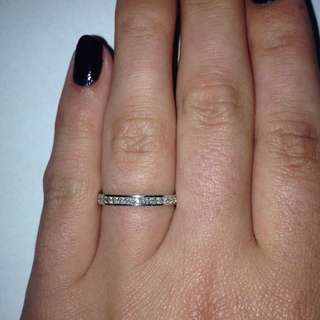 Prouds White Gold And Diamond Ring