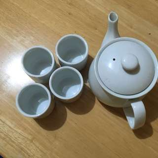 Tea Pot & Cups