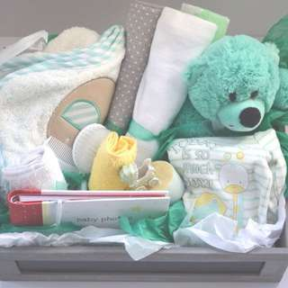 Baby Neutral For The Unknown Gift Box