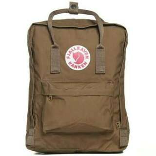 Kanken bag in Sand Looking to swap for a black one