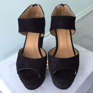 RUBI Shoes Wedges - Black double strap Size 38
