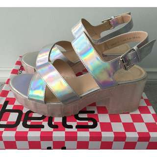 BNIB BETTS Holographic Sandals - Want it Size 7 38