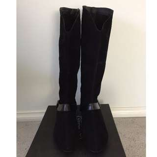 BNIB Under The Knee Boots - Size 8