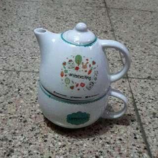 Pot Tea Set Dengan Cangkir