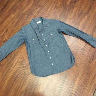 [二手]Uniqlo女生淺藍牛仔襯衫M