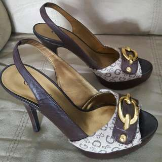 BRAND NEW SIZE 6.5 GUESS STILLETO SANDALS