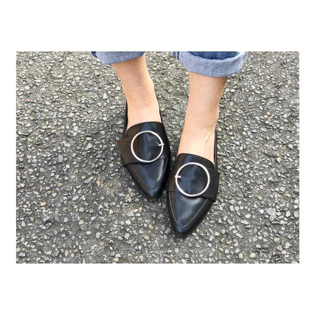 簡約圓環皮革平底鞋