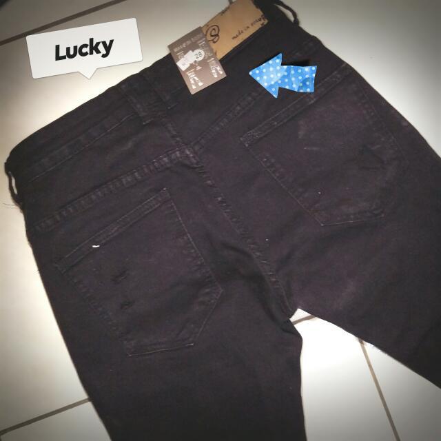 (全新) 原價$1680 台灣製 男女款 黑色 破褲 彈性 修身 刀割牛仔長褲