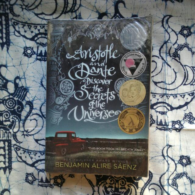 Aristotle and Dante Discover the Secrets of the Universe - Benjamin Alire Sáenz 💟