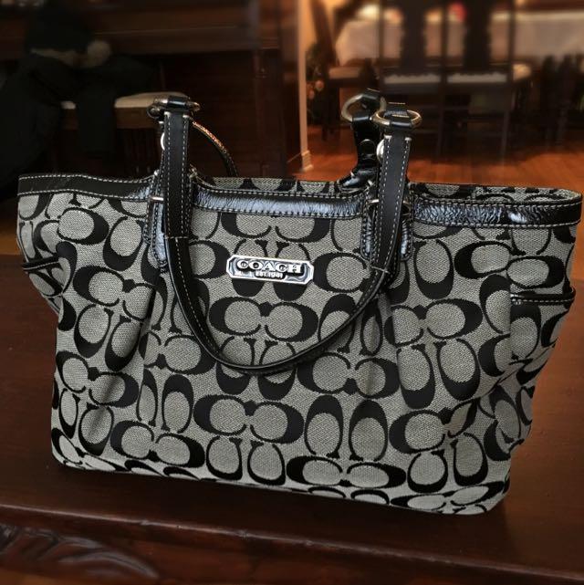 Authentic Coach Handbag Barely Used