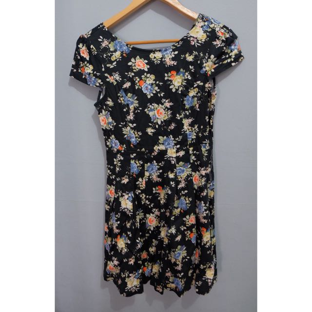 black flowers dress