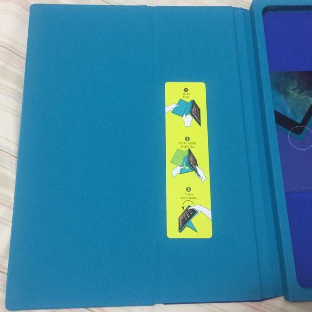 BLOK by Logitech Blue/Teal protective case iPad Air 2