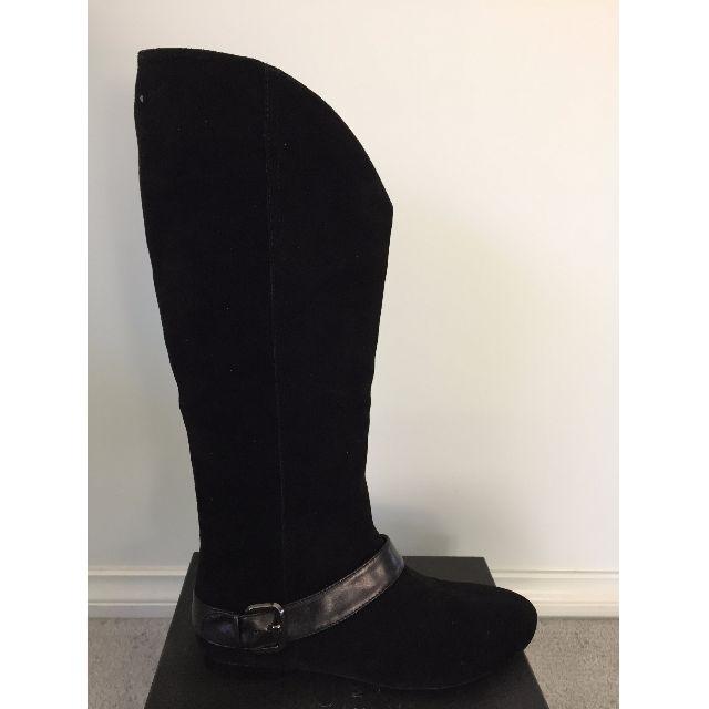 BNIB Under The Knee Boots - Size 8