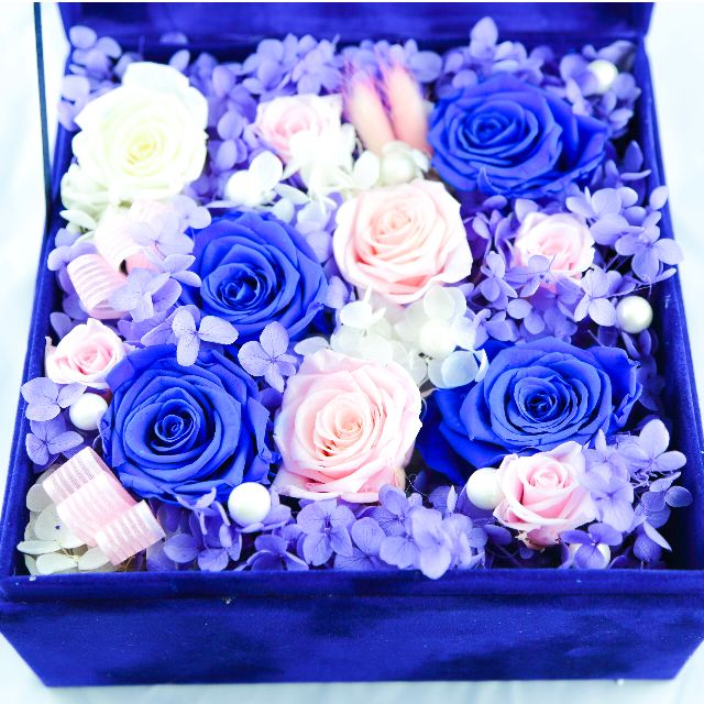 Eternal Flower Gift Box Garden Pink And Blue White Rose 9 Stalks Gardening On Carousell
