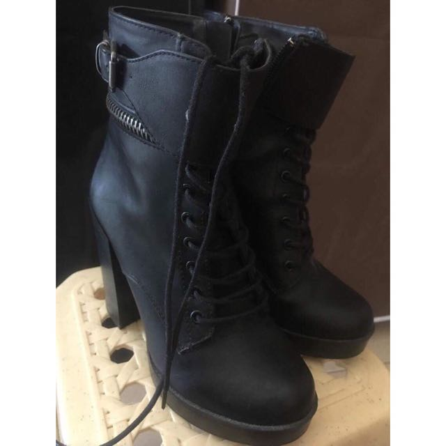 F21 Black Boots With Heels