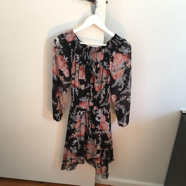 Forever New Miya Off Shoulder Dress Size 6
