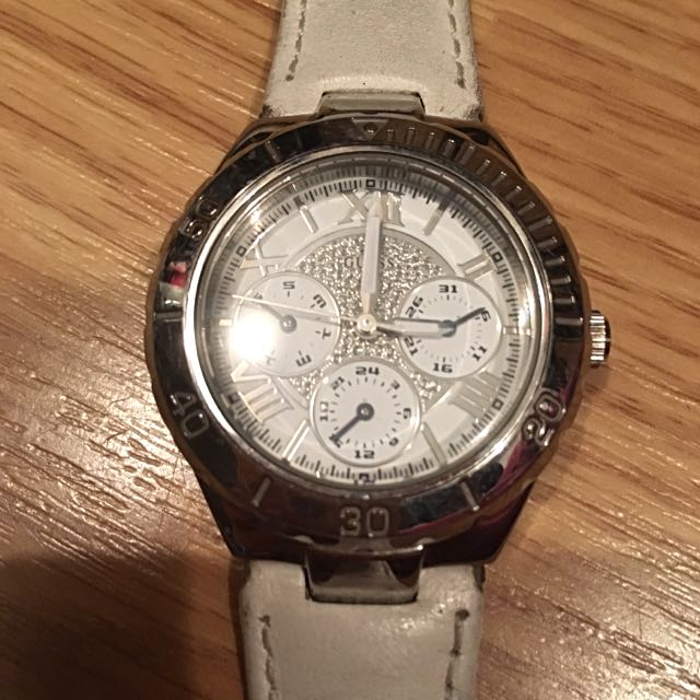 Guess Watch White And Silver
