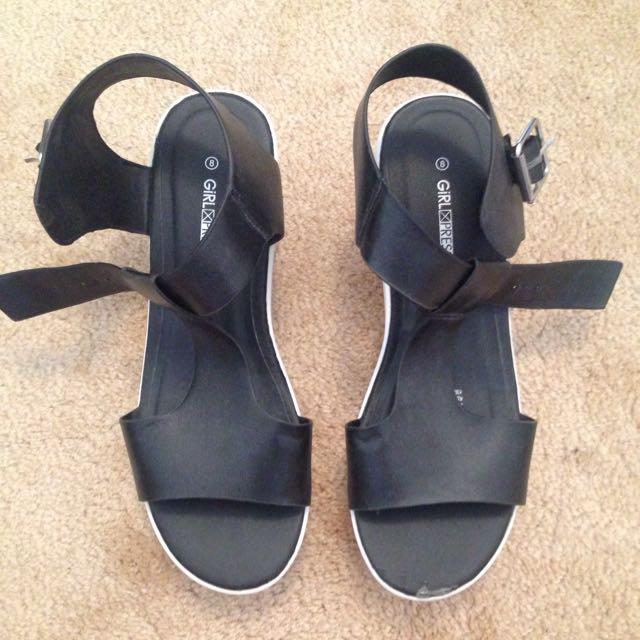 heeled shoes // size 8
