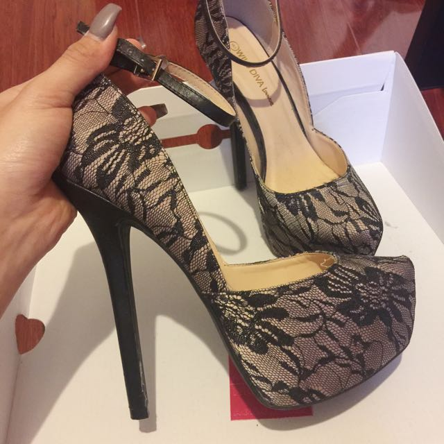 Lace heels • black & nude