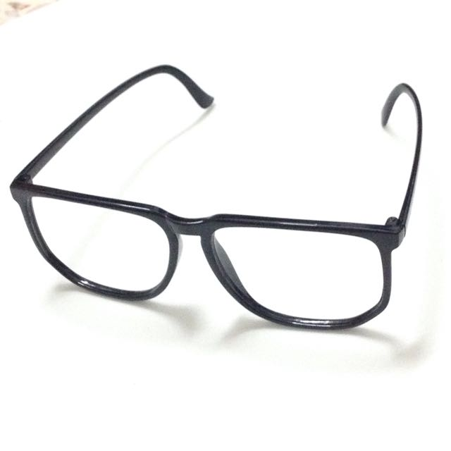 34a4850f0 Lensless Glasses - Black Frame, Women's Fashion, Accessories on Carousell