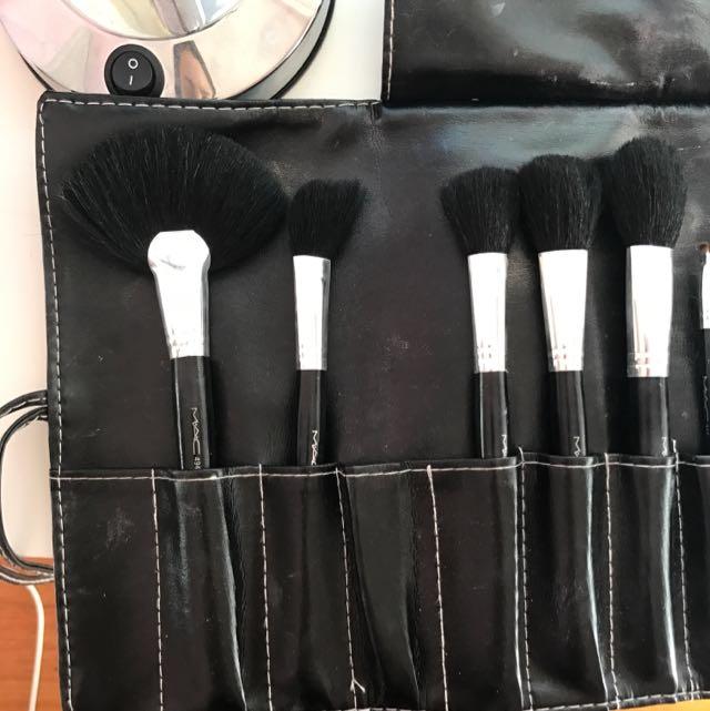 Mac Makeup 20 Piece Makeup Brush Set, Health & Beauty, Makeup on Carousell