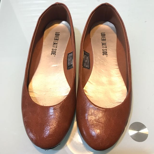 Payless Brown flat shoes - repriced!
