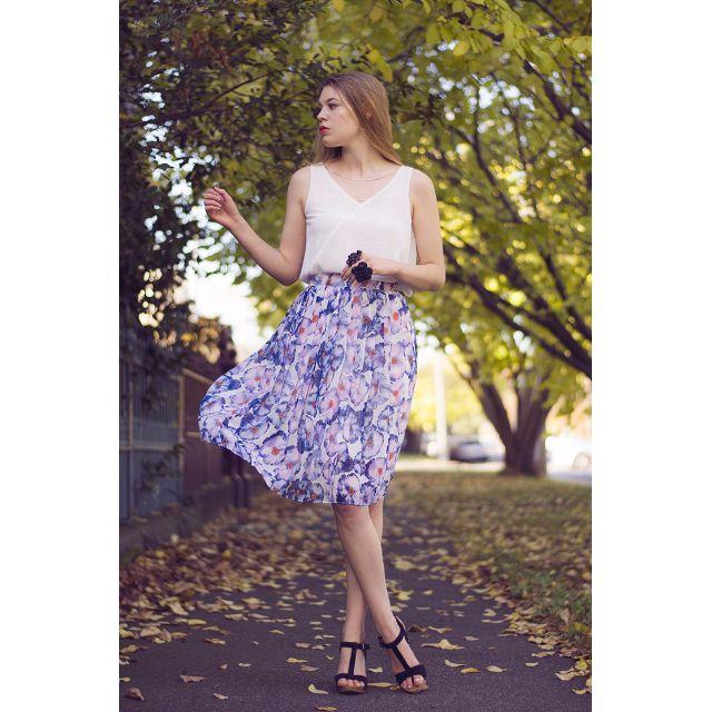 Waist high chiffon midi skirt