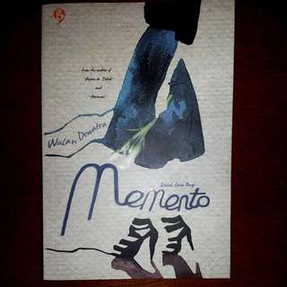 "Novel ""Momento"" by Wulan Dewatra"