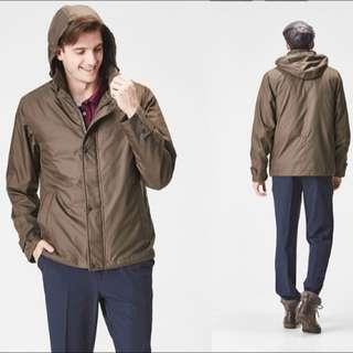 !急售!只穿過一次【SOFTSUN】紳士保暖90%防潑水連帽輕羽絨外套-橄欖綠
