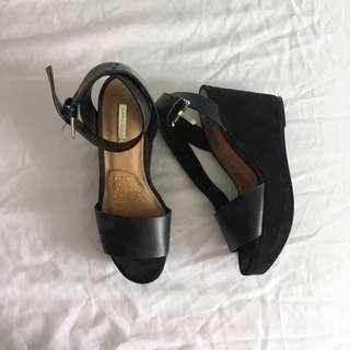 Zara Trafaluc Black Suede Wedges (size 6)