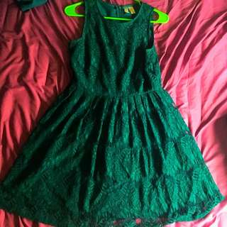 Forever 21 Green Lace Dress