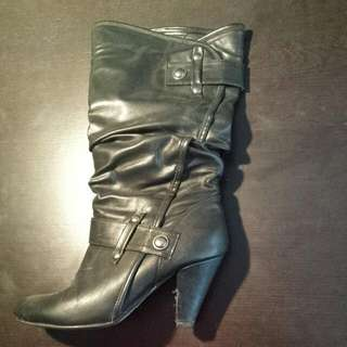 Black Leather Size 9 Booties